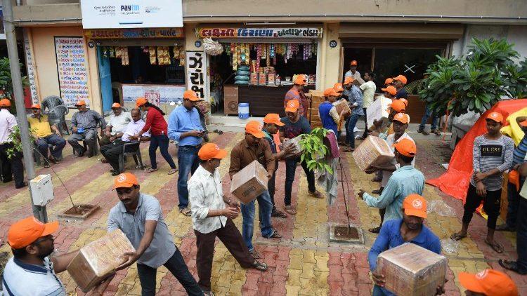 Các GM Ấn độ phê bình Ấn giáo cực đoan lợi dụng lụt để tuyên truyền chống Kitô giáo