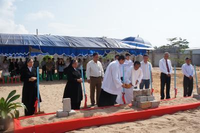 Mái ấm Tình thương Lagi mừng lễ thánh Giêrađô và đặt viên đá xây dựng cơ sở II