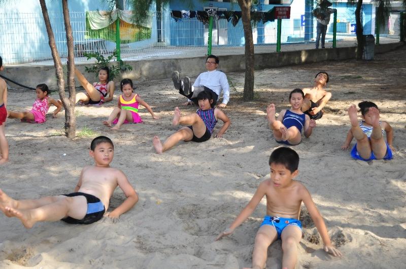 """Caritas Hải Phòng phối hợp tổ chức khóa """"Dạy bơi cho trẻ em tại vùng nước mở"""""""