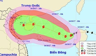 Bão có khả năng lại đổi hướng, gió giật cấp 13 ở Biển Đông