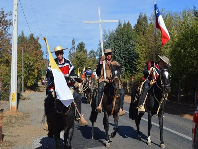 Hàng trăm bạn trẻ phi ngựa 300km từ giáo phận Calama đến gặp Đức Thánh Cha