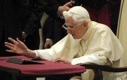 Công bố 2 tự sắc của Đức Thánh Cha Biển Đức XVI