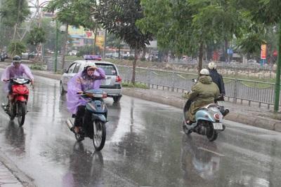Bão số 8 tiếp tục mạnh lên, Hà Nội có mưa
