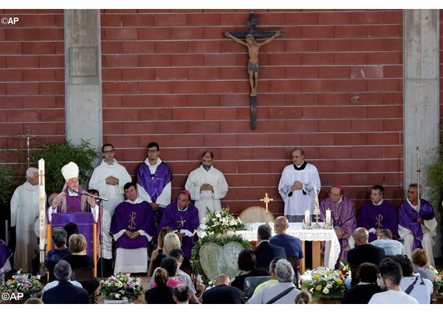 Lễ tang các nạn nhân động đất ở Ascoli Piceno, Italia