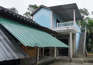 Caritas Việt Nam: Thăm và trao nhà cho các gia đình trong dự án khắc phục hậu quả thiên tai cuối năm 2016 (đợt 2).