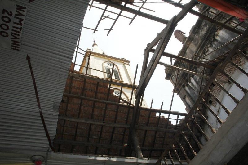 Lốc xoáy làm sập mái nhà thờ Mai Thượng - Giáo phận Bắc Ninh