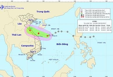 Áp thấp nhiệt đới mạnh lên thành bão, miền Trung mưa lớn