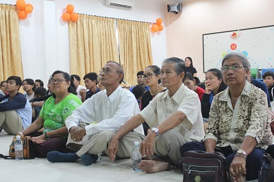 Caritas Vietnam: Building awareness on safe migration and human trafficking at the church Phsar Touch, Campuchia