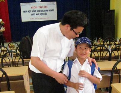 Caritas Hải Phòng tiếp tục chương trình học bổng cho  học sinh nghèo