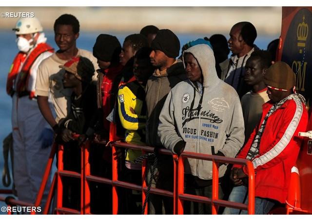 Cha Alberto Gaton tham gia cứu sống hàng ngàn người di cư ở Địa Trung Hải