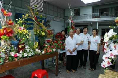 Hoa xuân cho người nghèo