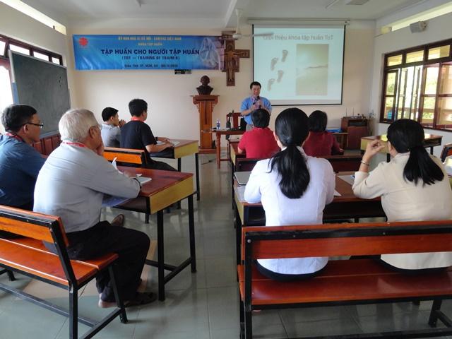 Ngày 04/11/2013 - Caritas Việt Nam: khai giảng khóa ToT II