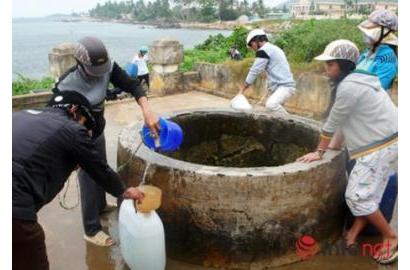 Kỹ thuật xử lý nước ăn uống và vệ sinh môi trường trong mùa bão lụt