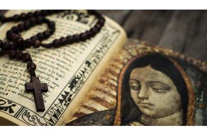 Kitô hữu Ấn độ được sức mạnh vượt qua bạo lực nhờ đọc kinh Mân Côi