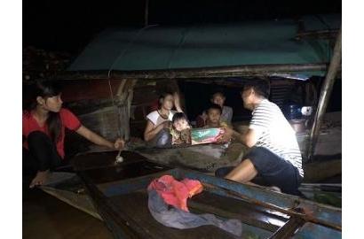 Caritas Thanh Hoá: cứu trợ khẩn cấp đồng bào vùng ngập lụt