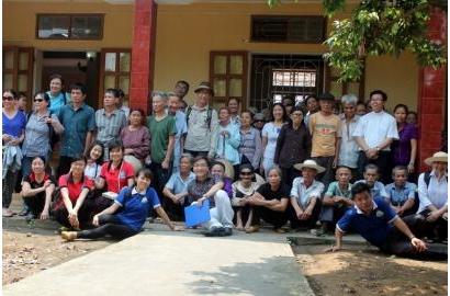 Niềm vui chia sẻ tại trại phong Chí Linh
