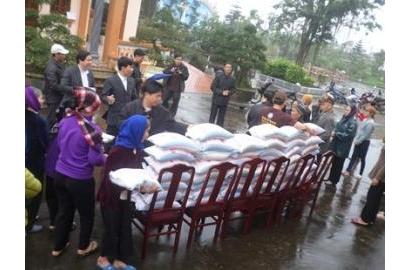 Caritas Bùi Chu thăm người nghèo trong Giáo Phận