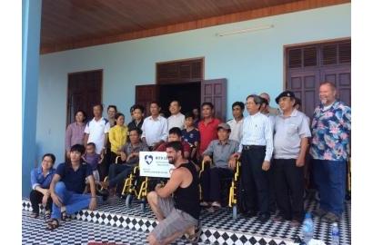 Trao tặng xe lăn tại Quảng Trị