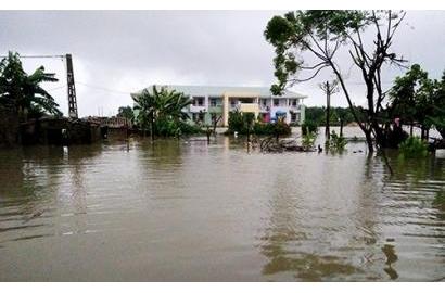 Hà Tĩnh mưa lớn, nhiều xã bị cô lập