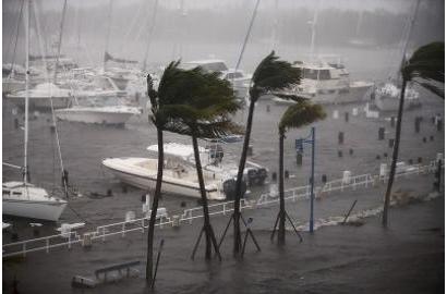 Biến đổi khí hậu khiến các cơn bão tồi tệ hơn ra sao?