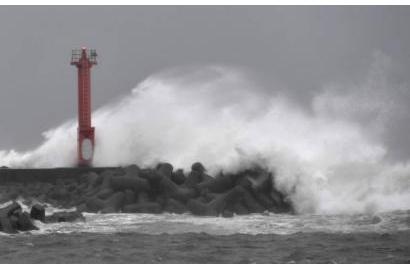 Vừa hết lũ lụt, Nhật Bản lại tiếp tục phải hứng chịu một trận báo lớn
