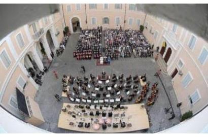 Buổi hòa nhạc do Caritas tổ chức tại Castel Gandolfo cho Đức Thánh Cha