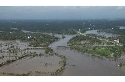Nữ tu bang Kerala, Ấn đô, dấn thân giúp đỡ nạn nhân lũ lụt