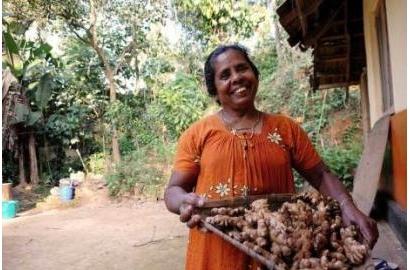 """Caritas tôn vinh """"Phụ nữ - những người gieo mầm cho phát triển"""" tại lễ vinh danh vào ngày 08.03"""