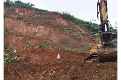 Đường sắt Hà Nội - Lào Cai bị chia cắt trong ba ngày