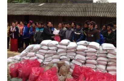 Caritas Thanh Hóa thăm người nghèo Mường Lát