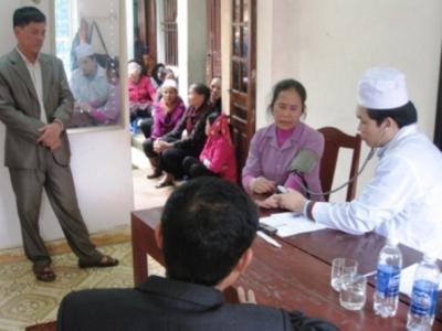 Caritas Hưng Hoá: Khám bệnh và phát thuốc miễn phí tại 2 Giáo xứ Hoàng Xá và Phù Lao