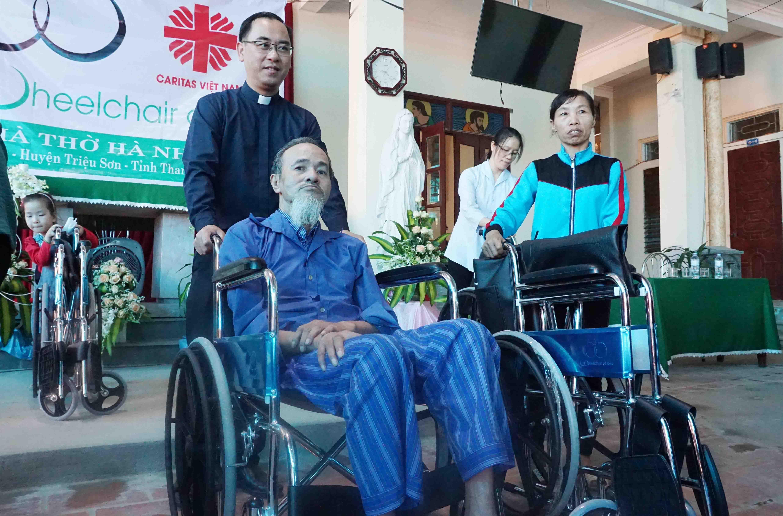 Caritas Thanh Hoá: Hỗ Trợ Đôi Chân Cho Người Khuyết Tật