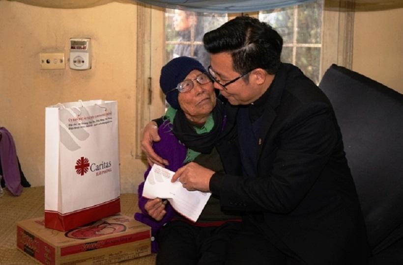 Caritas Hải Phòng: Thăm và tặng quà các bệnh nhân Làng phong Chí Linh - Hải Dương nhân dịp Giáng sinh