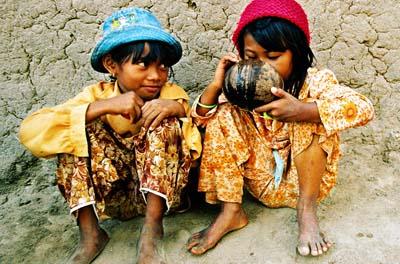 Trẻ em là chìa khoá để bứng tận gốc sự nghèo đói