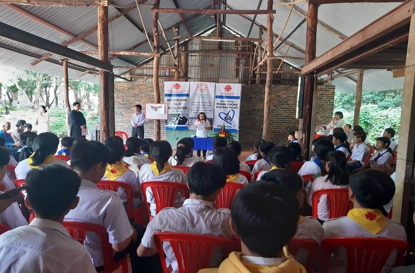 Caritas Phú Cường: Giáo Xứ Tân Khai Truyền Thông Phòng Tránh Buôn Bán và Xâm Hại Tình Dục Trẻ Em