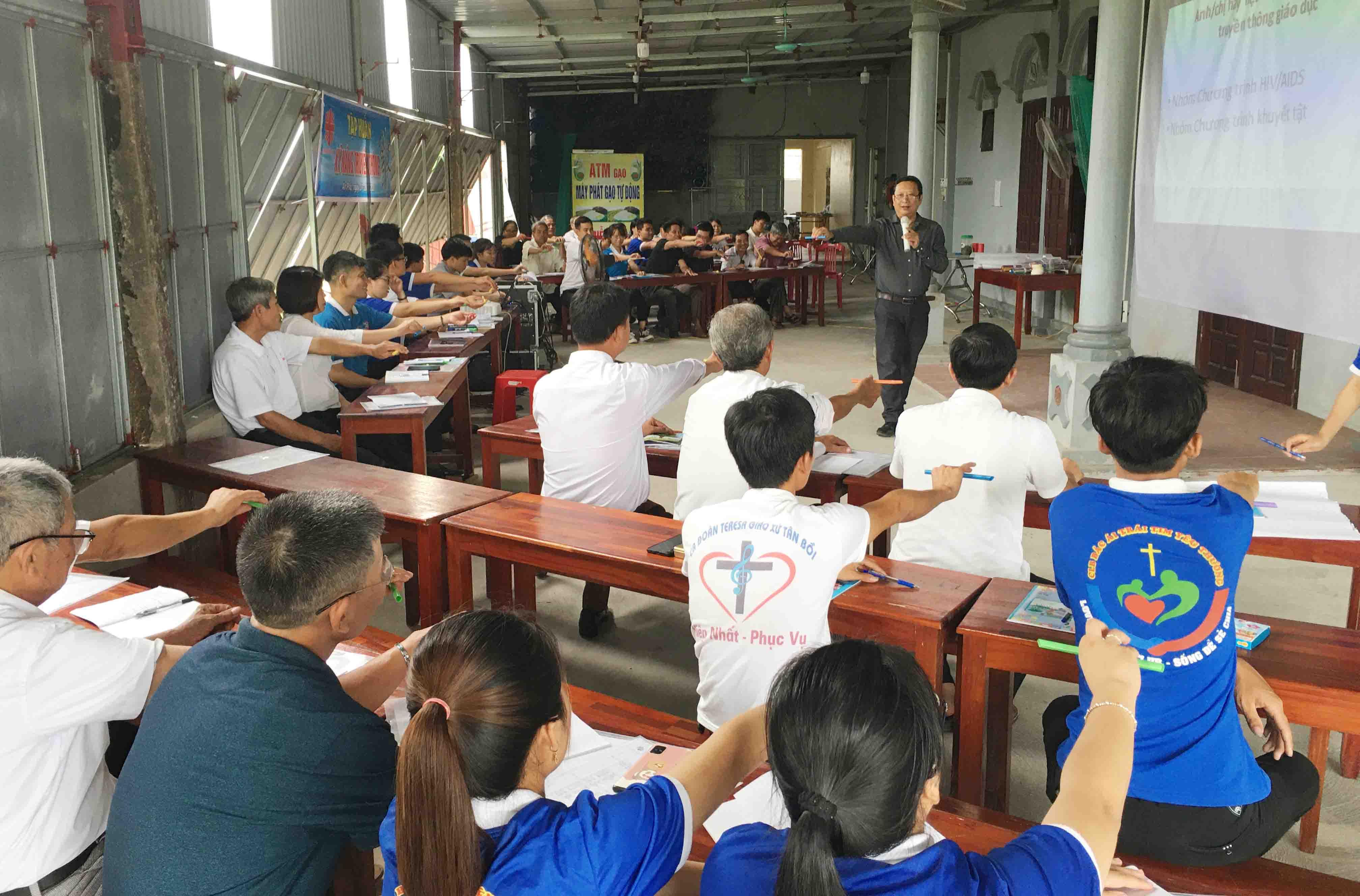 Caritas Bùi Chu: Tập huấn kỹ năng truyền thông cho cộng tác viên ban HIV