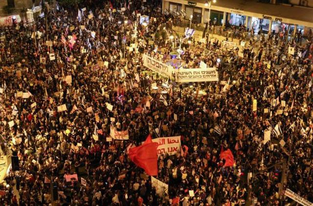 Đức Thánh Cha kêu gọi người biểu tình ôn hòa, tránh bạo lực