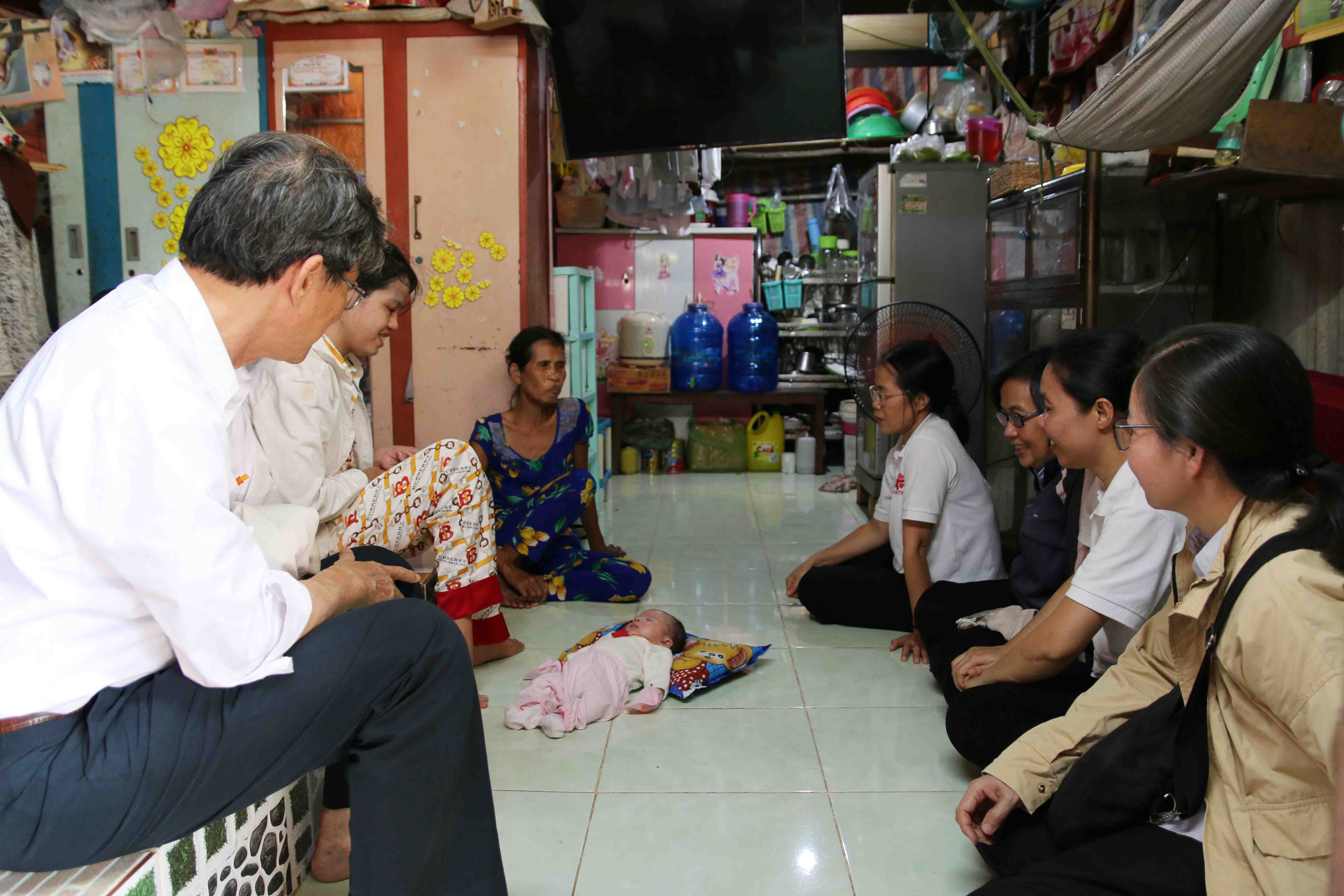 Caritas Việt Nam: Thăm Viếng Một Số Gia Đình Có Hoàn Cảnh Khó Khăn