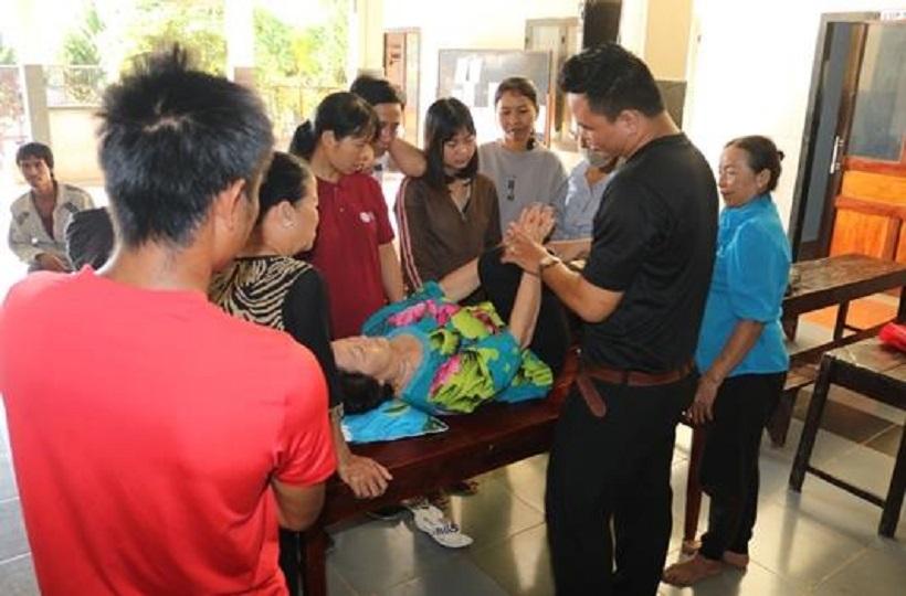 Caritas Đà Lạt: Tập Huấn PHCN Cho Trẻ Bại Não Và Người Khuyết Tật