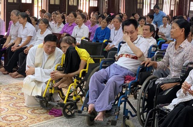 Caritas Hưng Hoá: Tổ Chức Hành Hương Năm Thánh Kỷ Niệm 125 Năm Thành Lập Giáo Phận Cho Anh Chị Em Khuyết Tật
