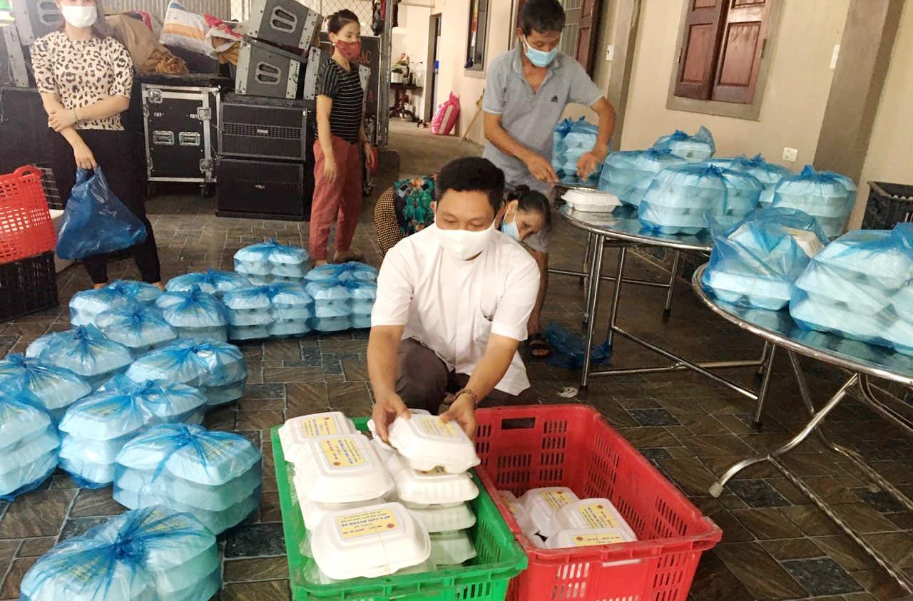 Caritas Hà Tĩnh: Bữa Cơm Huynh Đệ