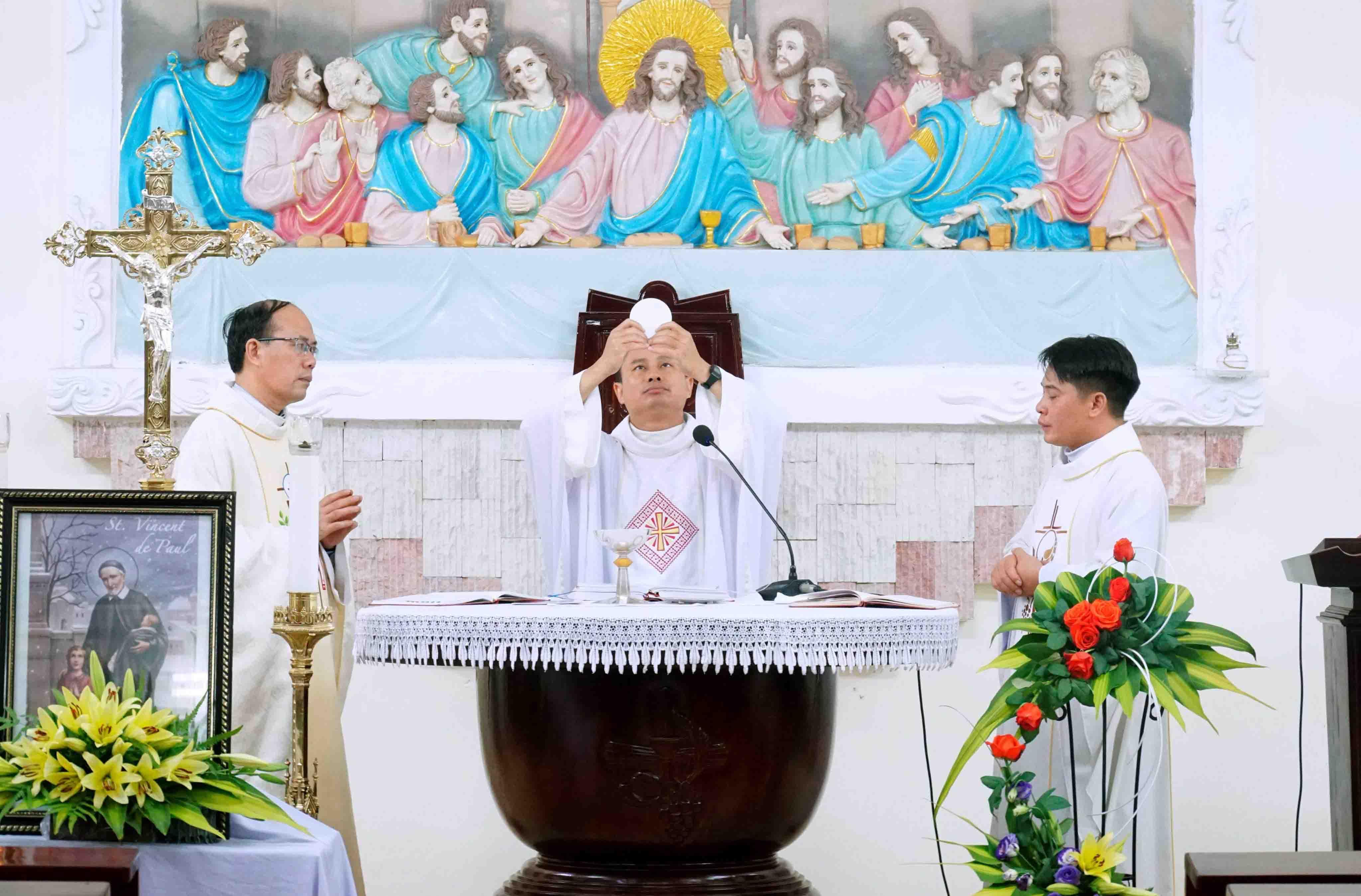 Caritas Hải Phòng mừng lễ bổn mạng Thánh Vinh Sơn Phaolô