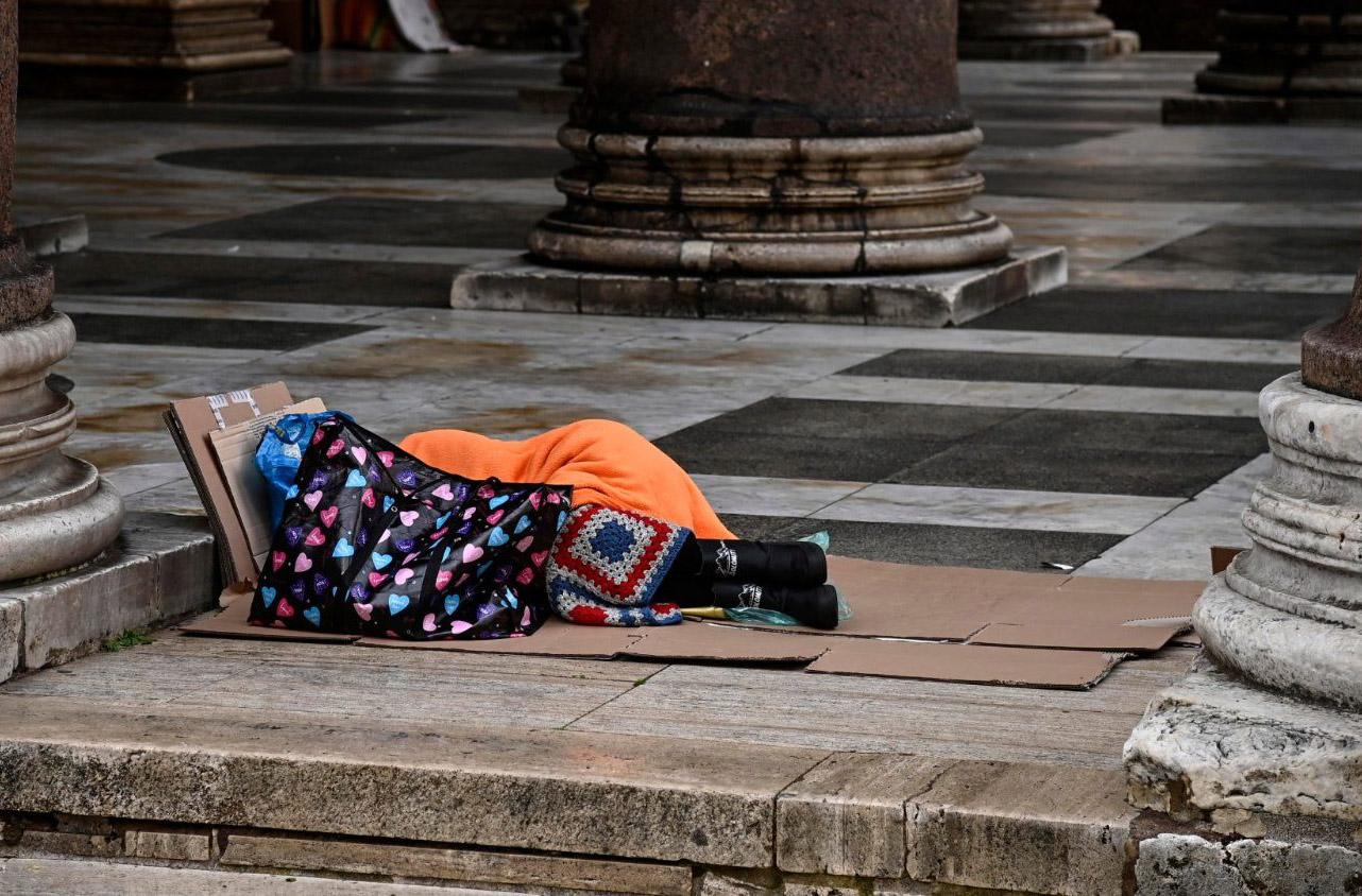 Đại sứ quán Đài Loan cạnh Toà Thánh tặng 300 túi ngủ cho Caritas Ý