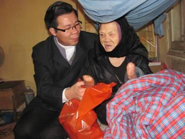 Caritas Hải Phòng ăn Tết với bệnh nhân tại Trại Phong Chí Linh - Hải Dương