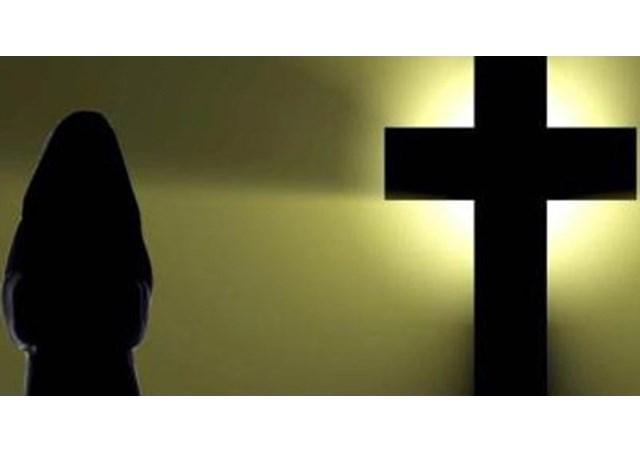 Ơn gọi nữ tu và bác sĩ của sơ Jocelyn Edathil dòng Nữ tu Betania